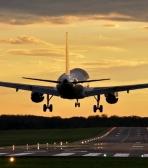 Donde están situados los aeropuertos y cómo están conectados