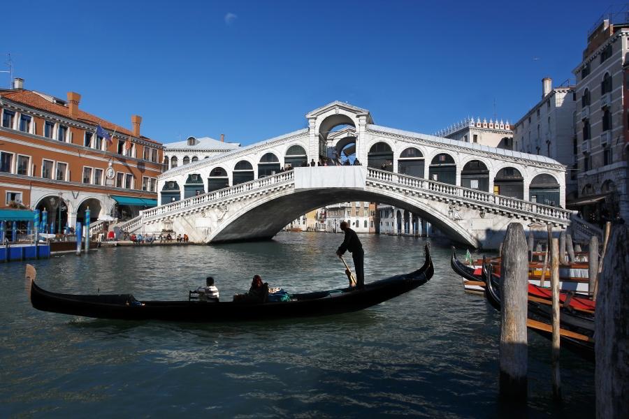 Puente rialto de venecia el s mbolo de venecia - Marco aldany puerto venecia ...